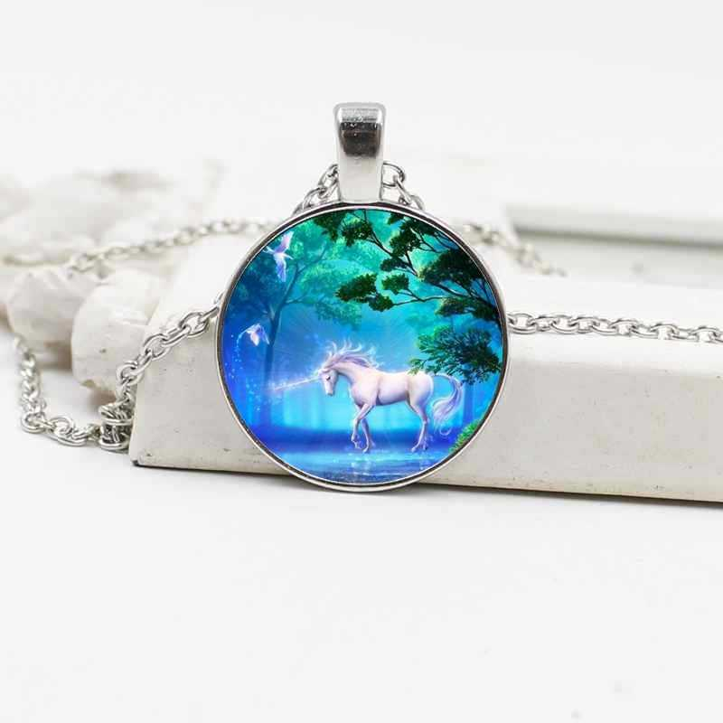 New Hot Sale Pegasus Unicorn Kristal Kaca Kalung Eropa dan Amerika Retro Perhiasan