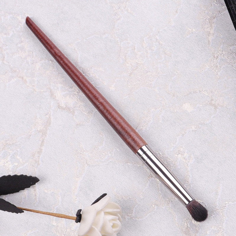 1PC Natural Wood Handle Goat Hair Eyeshadow Professional Makeup Brushes Crease Blending Shader Makeup Tools 2020 New