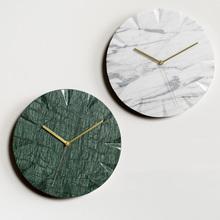 Rzeźbione marmuru zegar ścienny z kamienia naturalnego rzemiosło pokój próbka zegar Art Design marmur tanie tanio circular Cyfrowy Stoper Krótkie Z podświetleniem 300mm Igła Metal Antique style 12