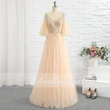 Женское платье с коротким рукавом v образным вырезом и открытой