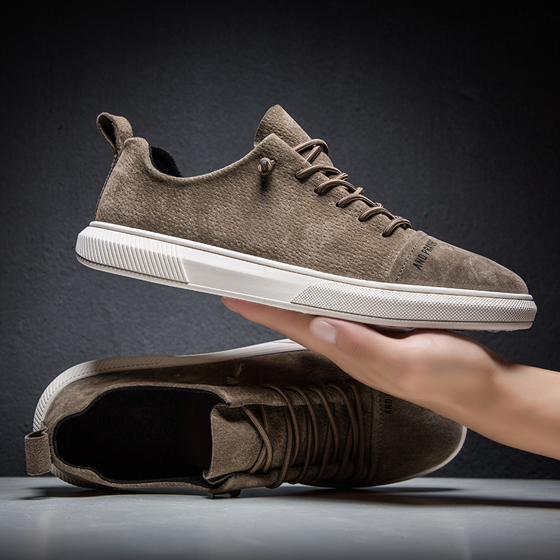 Suede Leather Designer Vintage Sneakers Men British Style Low Top Casual Flat Shoes Lace Up Wild Casual Tide Shoes
