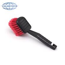 Щетка для чистки автомобильных шин, инструмент с красной щетиной и черной ручкой для мойки автомобилей и мотоциклов