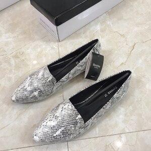 Image 2 - Womens flat Shoes autumn 2019 New Fashion Serpentine Flat soled Single Shoes Large Size Womens Shoes 41