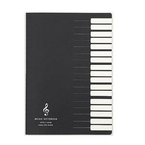 Cinco linhas notas de música notebook guia de música pessoal stave notebook