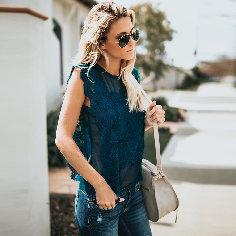 Women Tee Shirts 2020 Spring Summer Sleeveless Floral Lace Tops Ladies Casual Blouse Translucent Loose Camisetas Sin Mangas D30