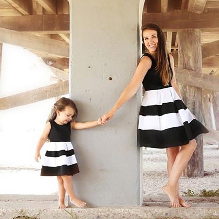 Maman et moi famille correspondant mère fille robes vêtements rayé maman et fille robe enfants Parent enfant tenues