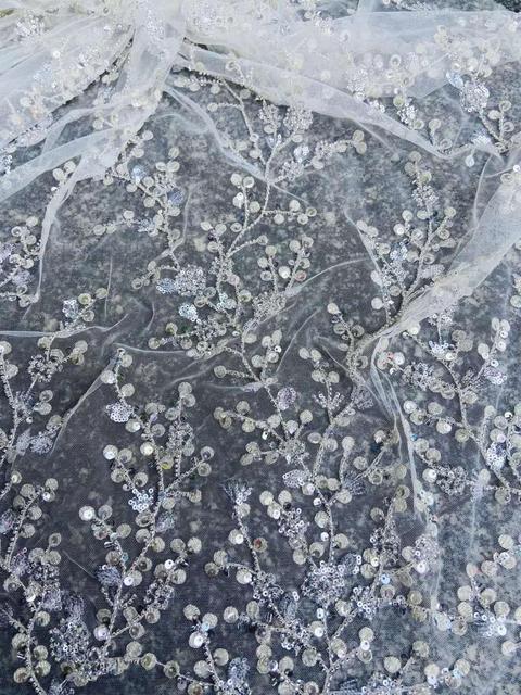 Ultimo vestito da cerimonia nuziale tessuto di paillettes perline fiore bianco del merletto del ricamo tessuto bianco 3D maglia del merletto Francese Africano del merletto 5 yards