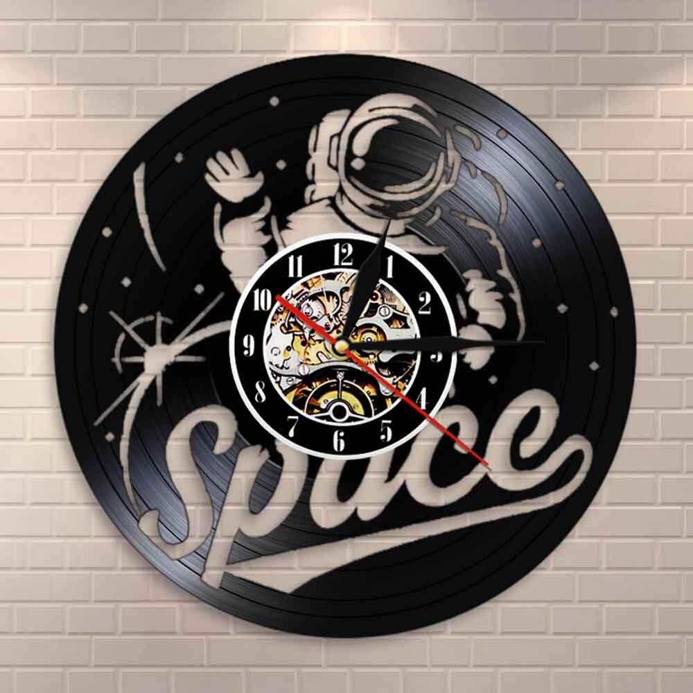 Astronaut Vinyl Record Wall Clock Space Room Wall Art Spacesuit Gramophone Vinyl Record Clock Vintage Home Decor Spacemen Gift