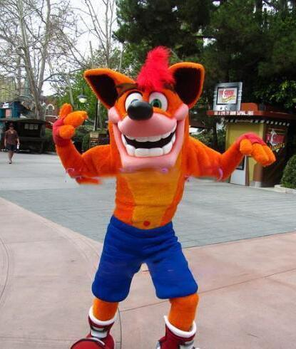 Adult Deluxe Crash Bandicoot Wolf cartoon Mascot Costume outfit Fancy Dress Christmas party advertsing for Halloween Mascot cos