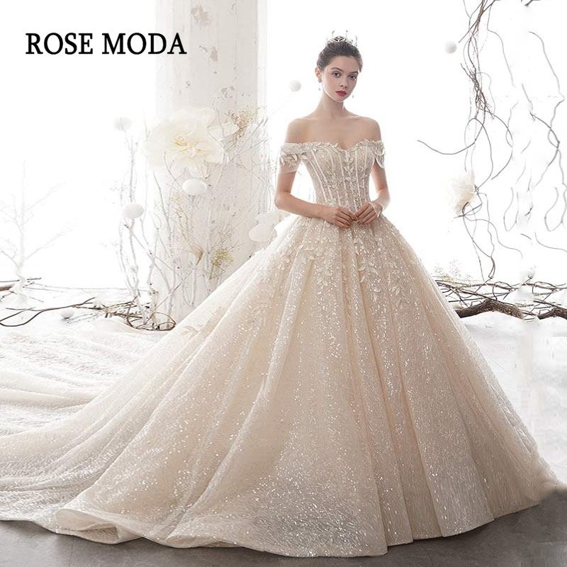 Rose Moda Luxury Glittering 3D Lace Wedding Dress 2020 Long Train Princess Wedding Ball Gown Lace Up Back