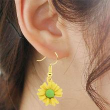 1pair Korean Style Cute Daisy Flower Earrings Women Stud Enamel Metal Pendant Handmade Jewelry Accessories Party