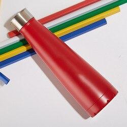 Najwyższy kreatywny ze stali nierdzewnej stalowy kubek sportowy czajnik terenowy butelka do napojów kubek izolowany na