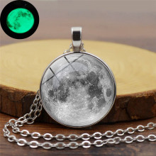 1 PC Moon sky Luminous Pendant Necklace Plexiglass Convex Alloy Illuminate long necklace Fashion womens jewelry