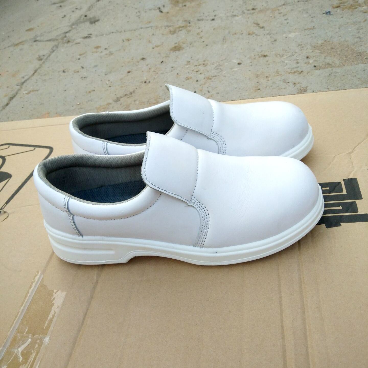 Manufacturers Wholesale Safety Shoes White Dust-free Workshop For Smashing Anti-static Shoes PU Bottom Round-Toe Protection Shoe
