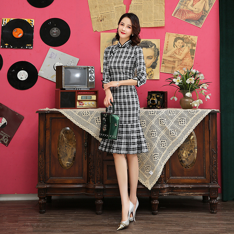 Vintage Ladies Plaid Cotton Chinese Traditional Slim Qipao Classic Mandarin Collar Stage Show Elegant Female Cheongsam S-3XL