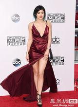 Kylie Jenner suknie wieczorowe promocja 2020 AMA V-Neck wspaniałe sukienki Celebrity promocja Kim Kardashian vestido longo boże narodzenie tanie tanio La MaxPa COTTON Połowa Tea-długość Celebrity sukienki custom made Celebrity Dresses Red White Black Blue 1 8kg 2-18 US Size