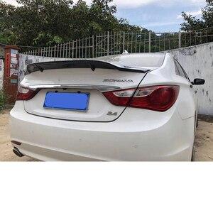 Image 5 - Pour Hyundai Sonata Spoiler 2010 2014 fibre de carbone lèvre arrière aileron haute qualité couleur spoiler Sonata 8 aile arrière pièces dauto