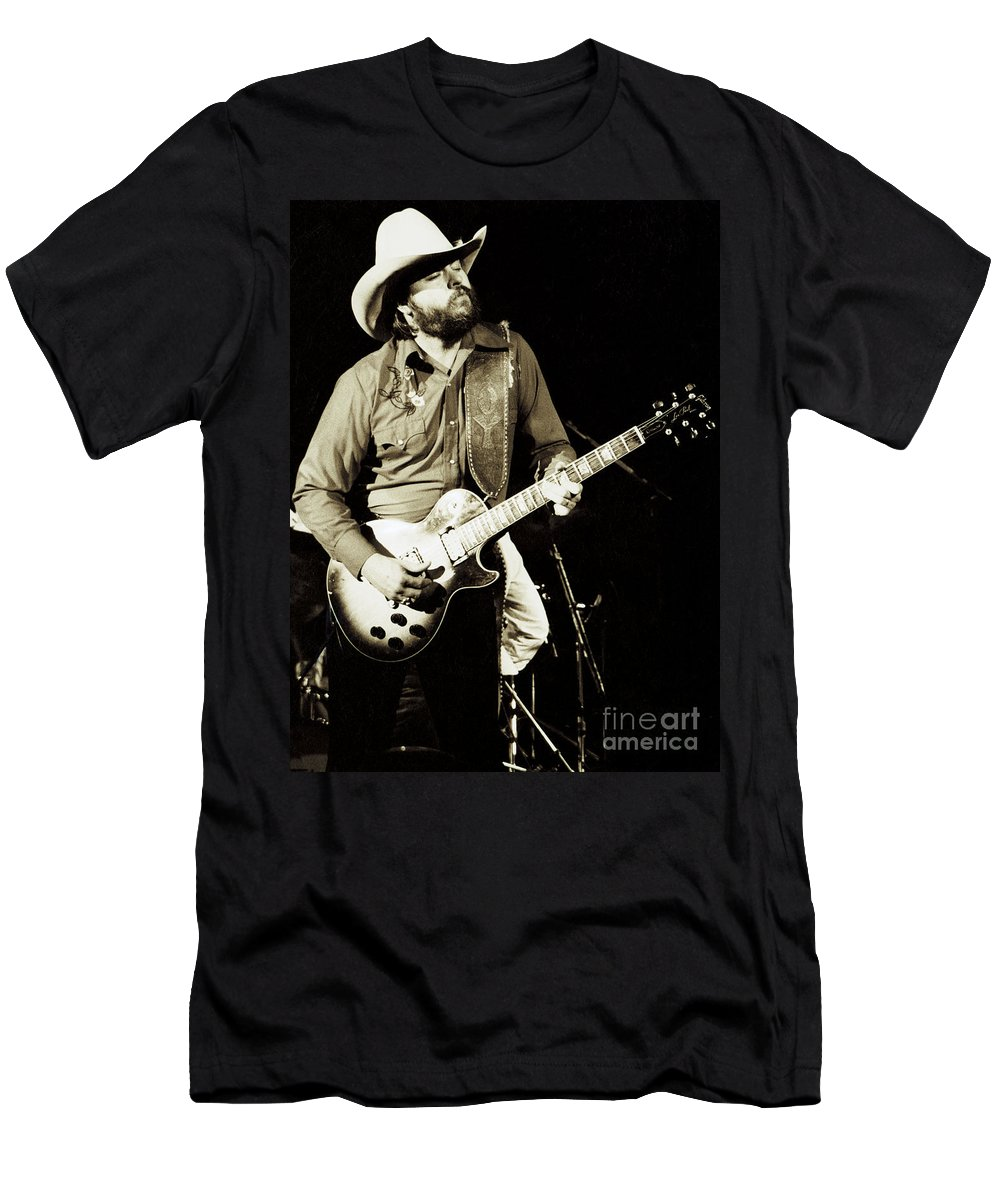 Classic Toy Caldwell Of The Marshall Tucker Band At The Cowharajuku Streetwear Shirt Men- New Years Concert Men'S T-Shirt