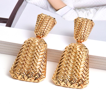 Wholesale Geometric Gold Metal Drop Earrings Fine Jewelry For Women High-Quality Fashion Trend Pendientes Accessories wholesale colorful crystals long drop earrings for women fine jewelry accessories dangling pendientes bijoux christmas gift