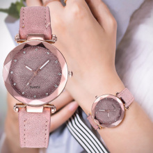 Relógio de pulso casual céu estrelado romântico para damas com bracelete de couro com strass