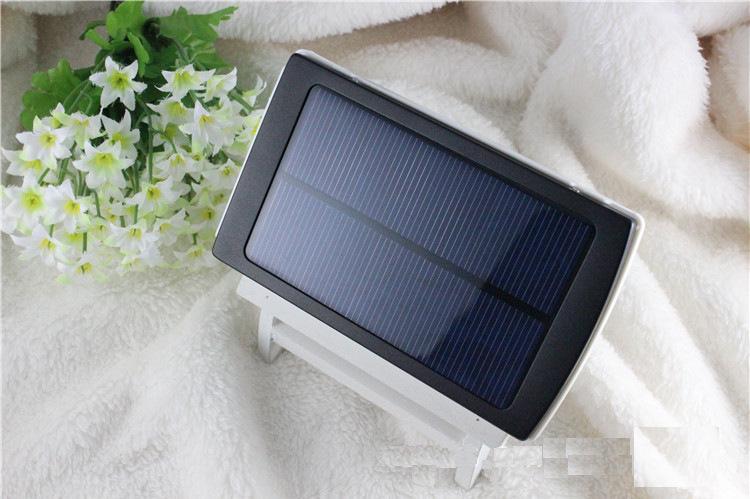 30000mAh Waterproof/Dustproof Solar Power Bank with Double USB Output and LED Flashlight 5