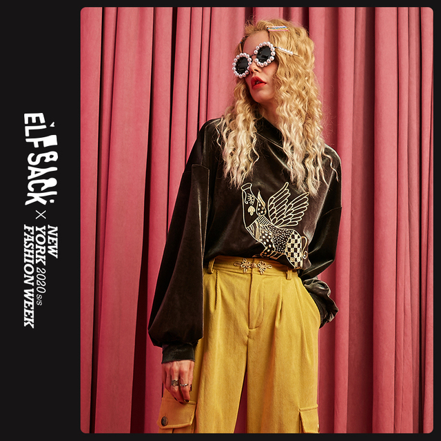 ELFSACK ירוק חזיר הדפסת גולף מזדמן קטיפה סווטשירט נשים חולצות 2019 סתיו Streetwear Oversize נקבה חולצות