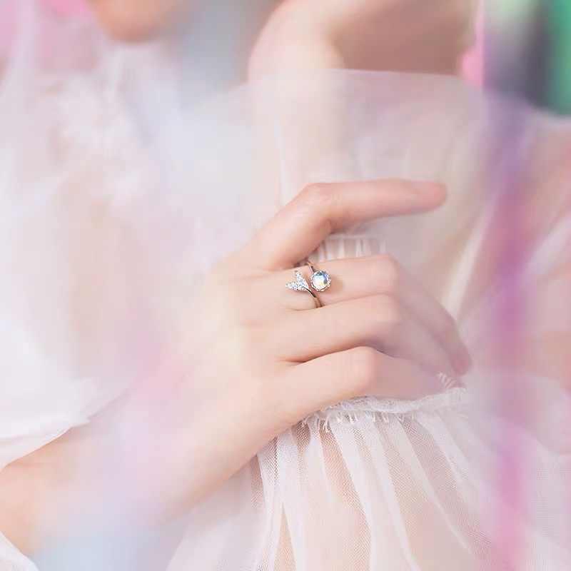 Prawdziwe 925 Sterling Silver śliczny ogon kamień księżycowy osobowość regulowany pierścień Fine Jewelry dla kobiet Party eleganckie akcesoria