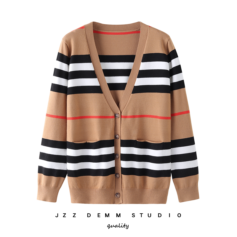 European Station 2009 Autumn And Winter New V-neck Stripe Coloured Baitie Short Jacket With Slender Knitted Cardigan