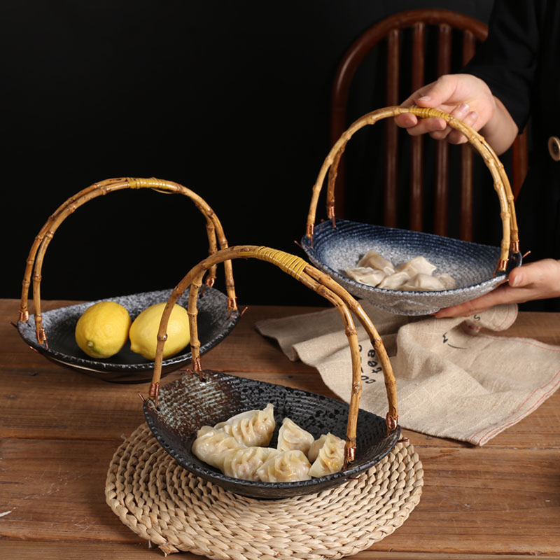 Ceramic baskets are mainly used for online celebrity snacks, fruit bowls and plates, and sushi restaurant tableware.