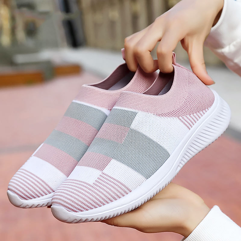 Knitted Casual Shoes Woman Sneakers 2020 Slip-on Summer Sneakers Women Flats Shoes Breathable Mesh Ladies Shoes Tenis Feminino