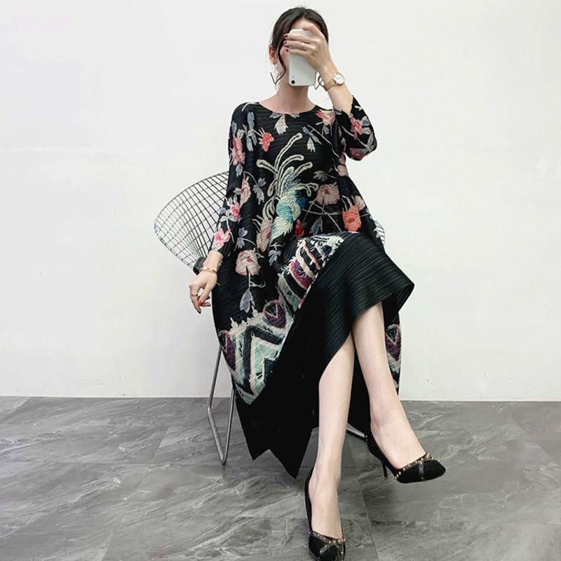 LANMREM 2020 New Spring O-neck Print Mid-length Dress Women Vintage Loose Big Size Office Lady Pullover Pleated Dress PD646