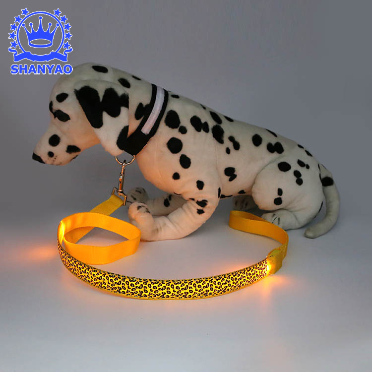 LED Shining Dog Traction Belt Night Shining Leopord Pattern Chain Dog Rope Pet Collar Traction Rope
