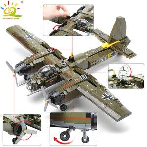 Image 1 - HUIQIBAO bloques de construcción del equipo Swat WW2, 559 Uds., caza militar, arma, soldado del ejército, figuras, juguetes para niños, regalo