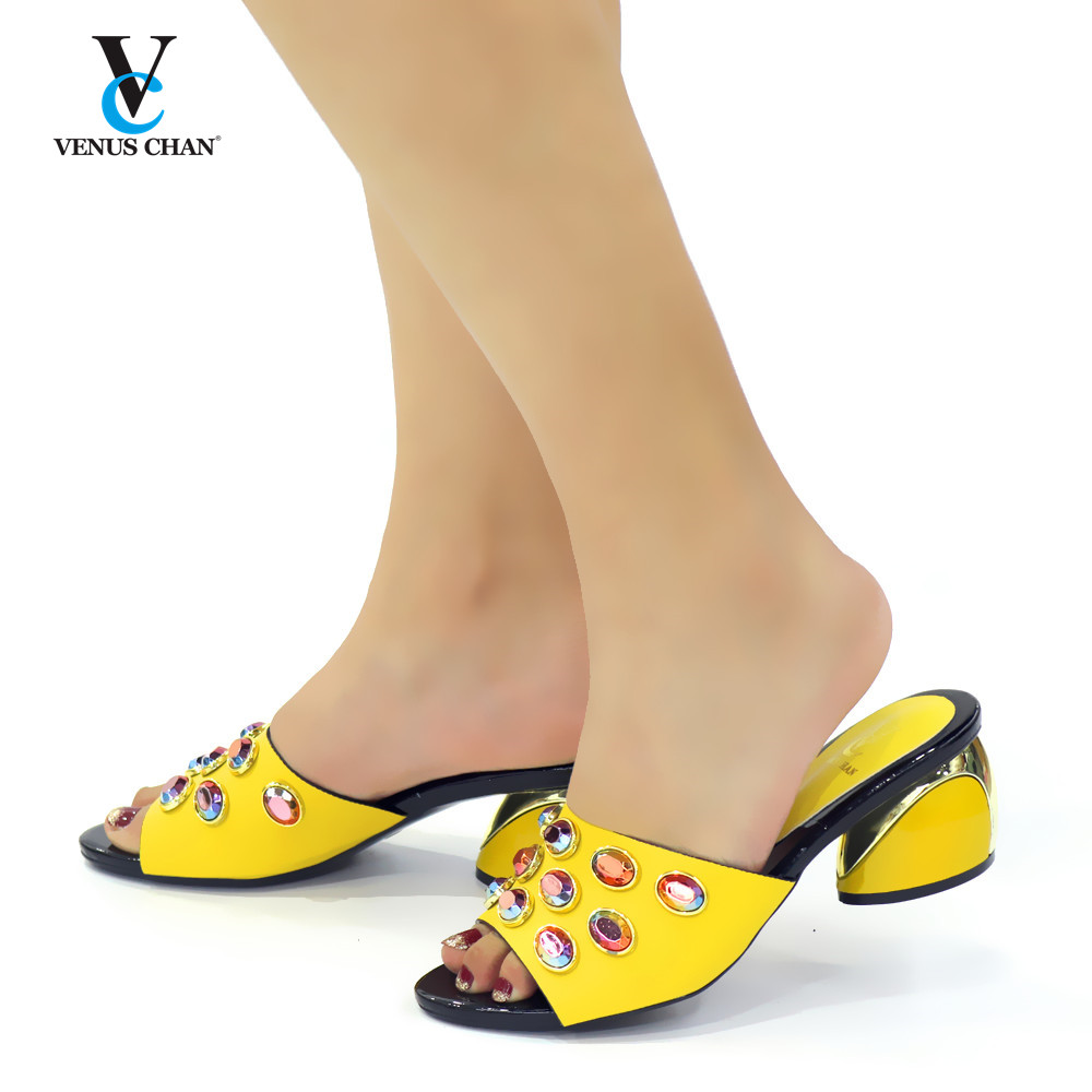 Womens Dress Shoes Open Toe Design Shoes Women Luxury 2020 Nigerian Women Wedding Shoes Decorated with Rhinestoen Party Shoes