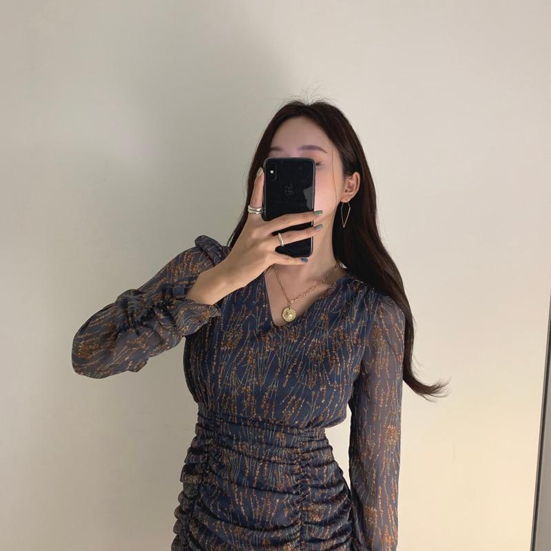 H90643ed4f8c94ccabcfb5cf86ec7cde8G - Autumn V-Neck Long Sleeves Chiffon Pleated Floral Print Mini Dress