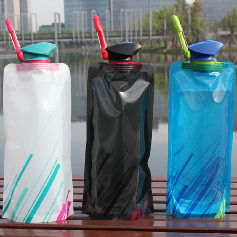 700ML Outdoor Foldable Folding Collapsible Drinking Car Water Bag Carrier Container Outdoor Camping Hiking Picnic Emergency Kits