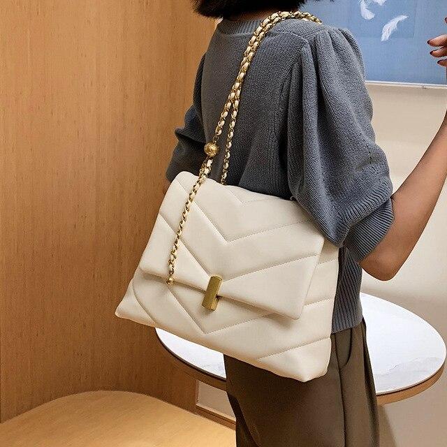 Фото большая вместительная женская сумка 2020 новая модная через