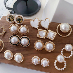 Korean Design Elegant Simulated Pearl Big Round Clip on Earrings Non Pierced Baroque Pearl Ear Clips for Women Jewelry Wholesale