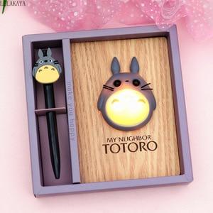 Image 2 - Di trasporto del nuovo Creativo Del Fumetto Action Figure Anime Totoro HA CONDOTTO LA Luce Camera Da Letto Della Lampada giocattolo di Legno Blocchetto Per Appunti del Diario del Taccuino/Libro della Mano Regalo Di Compleanno