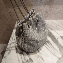 Evening bag with diamonds and rhinestones super flash diamond bucket bag Clutch bags with Chain Evening clutch bags цена 2017