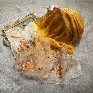 Image 1 - גבוהה באיכות נשים משי צמר פרחוני רקמת צעיף פשמינה חיג אב צעיפי כורכת יוקרה מוצק קשמיר חורף צעיפים