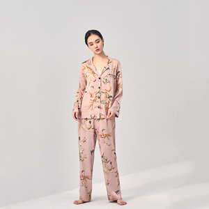 Image 4 - Lente En Herfst Vest Nieuwste Pyjama Vrouwen Lange Mouwen Broek Katoen Bloem Afdrukken Comfortabele Thuis Pak Vrouwen