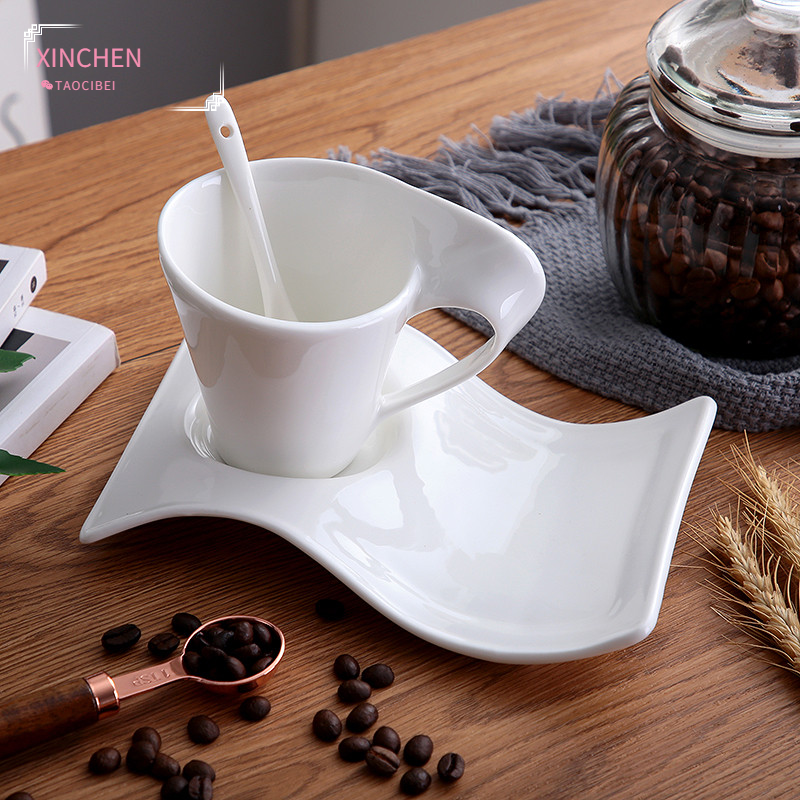 Ceramic Coffee Cup with Wavy Saucer and Spoon Set European Small Luxury Couple Milk Mug White Porcelain Office Teacup Drinkware