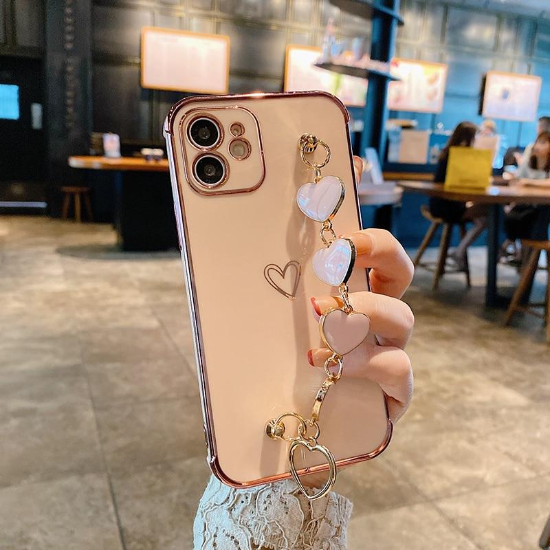 iPhone Back Cover & Love Heart Chain - 1mrk.com