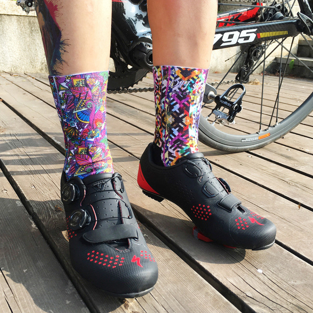 3 pairs Colorful Sports Socks Wearable Sweat Cycling Socks for Man Woman Cycling Running Football Basketball