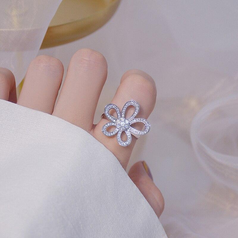 Ins offre spéciale de luxe 14k véritable or soleil fleur femmes collier délicat Bling Micro incrusté Zircon Colar bijoux cadeau d'anniversaire 4