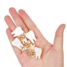 Badge Brooch Decoration Hygienist-Pin-Accessories Gift Tooth-Shape Dentist Molar Adornment
