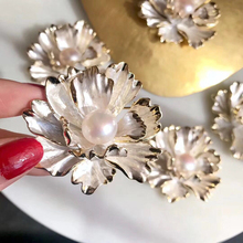 Alloy natural freshwater 9-10mm pearl brooch  pin DIY custom jewelry accessory for wedding Christmas present new free shipping flower jewelry natural 4 10mm black freshwater pearl embellished sunflower floral pin brooch top quality