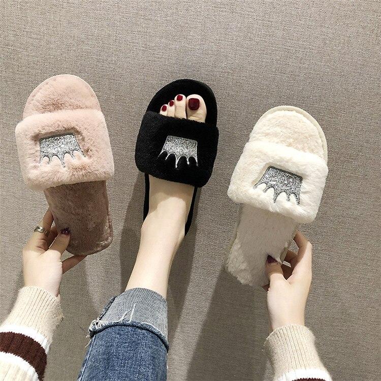 H90d6d8957159429b91312e3bff392ebeP Mulheres chinelos de pele de inverno de pelúcia quente plana indoor sapatos moda feminina padrão coroa casa rosa chinelos macios slides