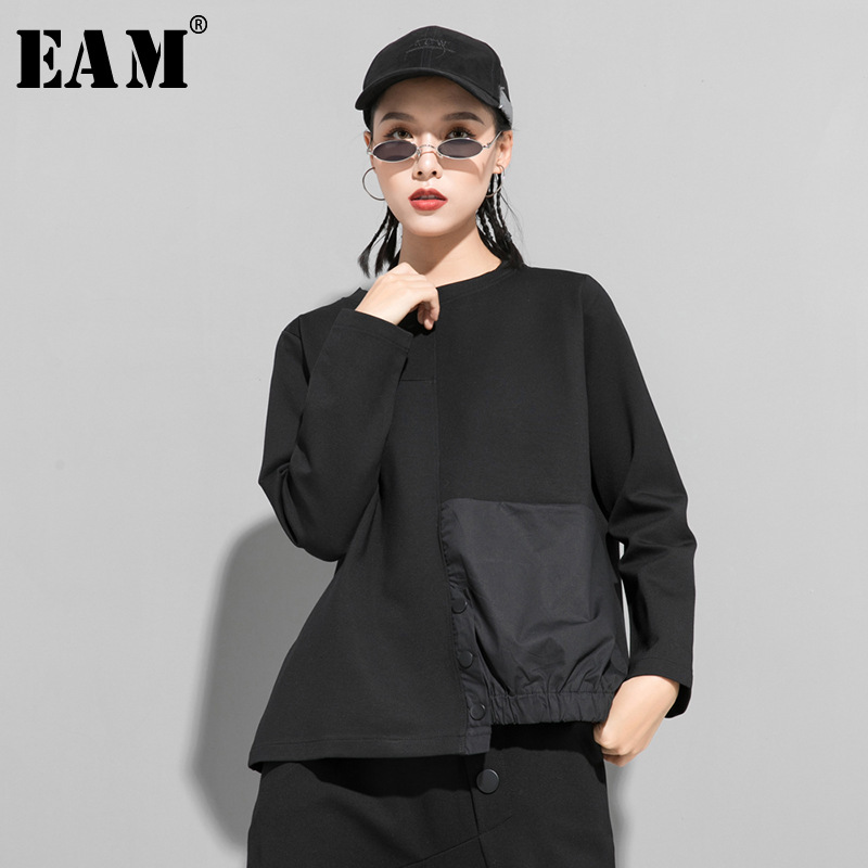 [EAM] Women Black Asymmetrical Button Split Big Size T-shirt New Round Neck Long Sleeve  Fashion Tide Spring Autumn 2020 1T542 1